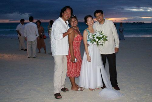 Wedding dress code beach chic beach chic style what to for Beach wedding dress code